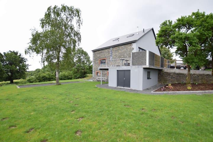 Maison de vacances luxueuse avec sauna à Bastogne
