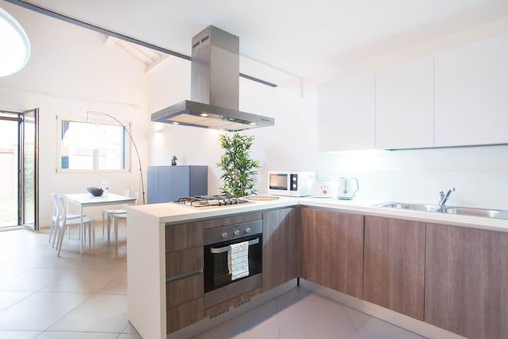 Murano Loft: free wi-fi - Garden - Close to Venice - Veneza - Apartamento