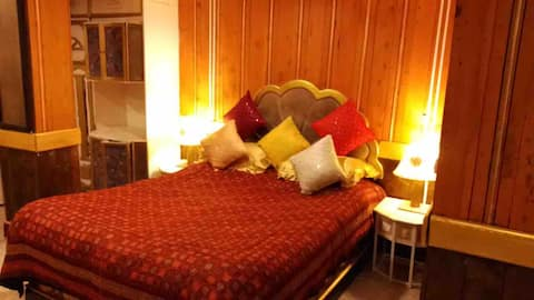 S3 HERITAGE SUITE for Lowest price in TOWN CENTRE!
