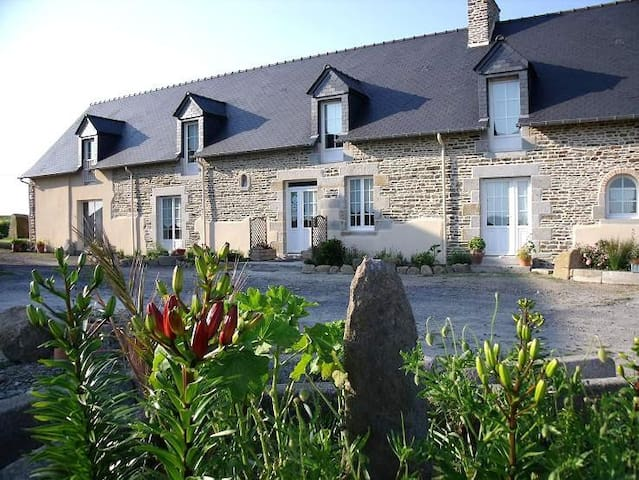 Au Petit Villeneuve, Mont Saint Michel