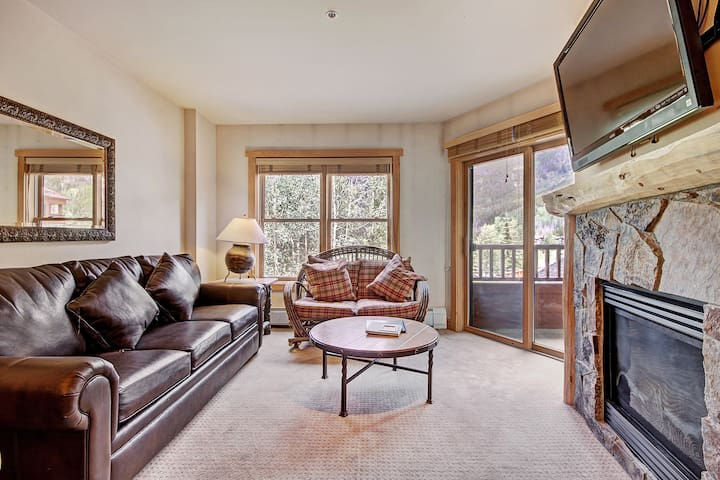 Amazing Condo With Awesome Views! CS221