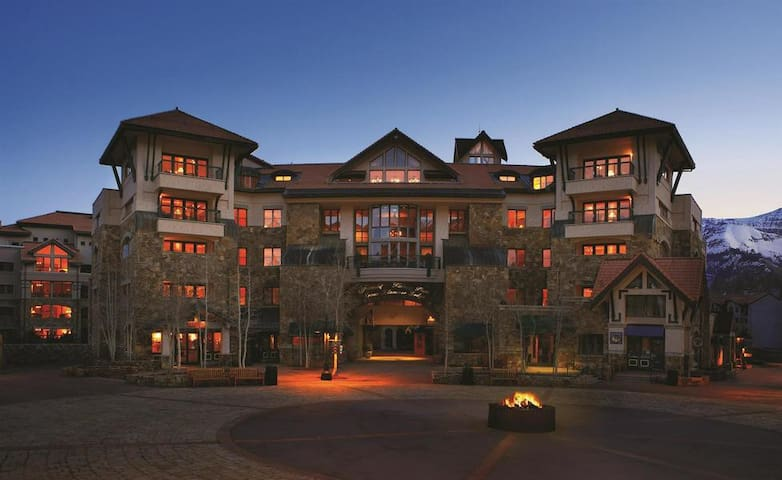 Telluride 2 Bedroom Luxury Condo
