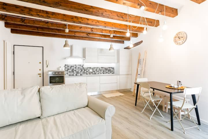 Civico 34 Central Apartment x5 ! NEW