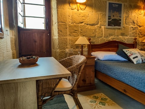 The Honeypot BnB - traditional converted farmhouse
