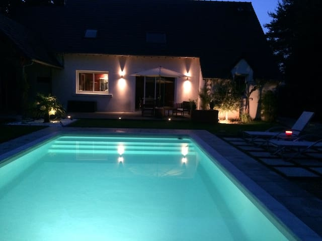 Maison avec piscine tout confort - Romorantin-Lanthenay - Hus