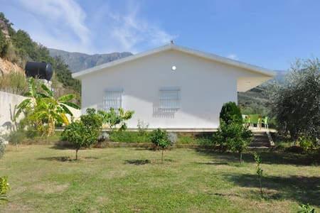 3 Bedrooms Holiday Home with Sea View