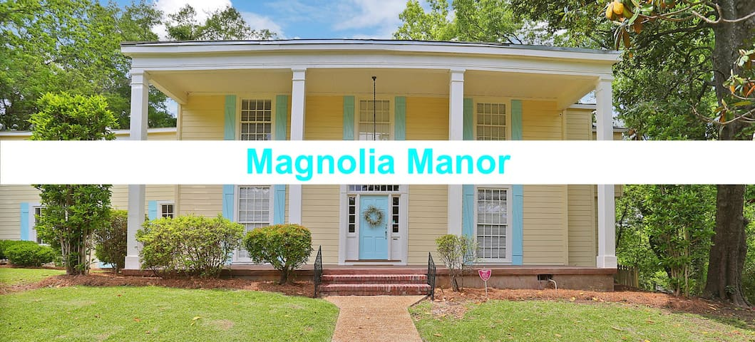 Magnolia Manor: The Largest Airbnb Downtown