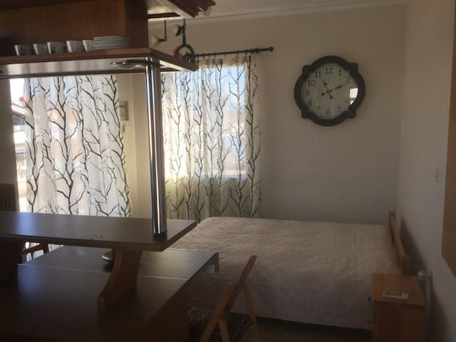 Rooftop studio apartment - Nafplio - Flat