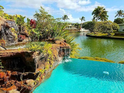 Marina Paradise: Waterfront, 2 bedrm 2 ba. Pool!!