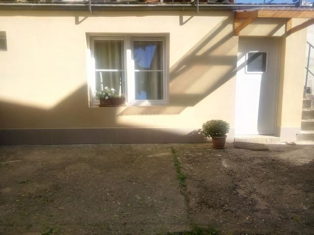 Nice small apartment nearby Centre - Trier - House