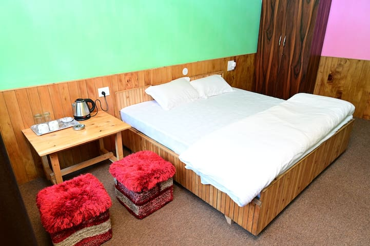 Hotel De Luxe
