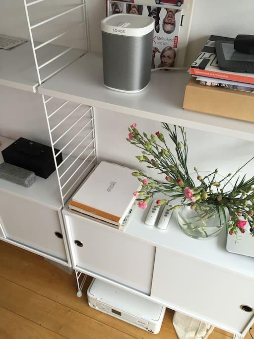 sch nes helles studio appartment mit terrasse wohnungen zur miete in m nchen bayern deutschland. Black Bedroom Furniture Sets. Home Design Ideas