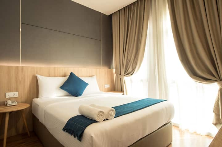 private room for 2 .JB Town! Near to City Square!