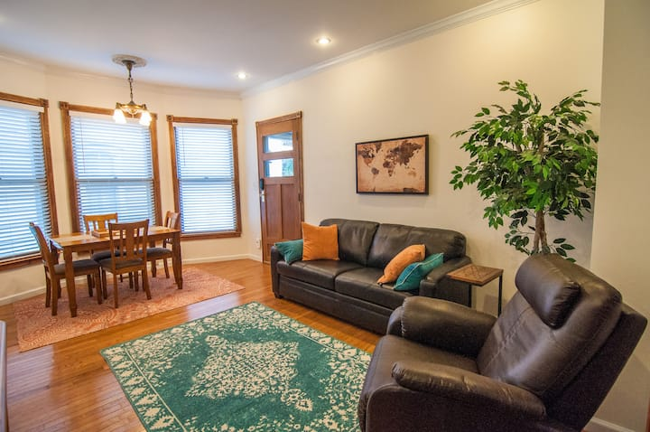 Downtown 1 Bd Apt in Classic Victorian House