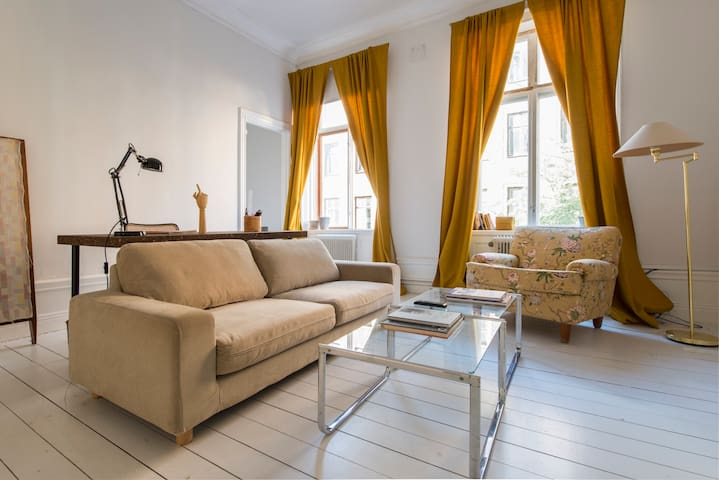 Charming - Beautiful - Perfectly Located - Stockholm - Leilighet