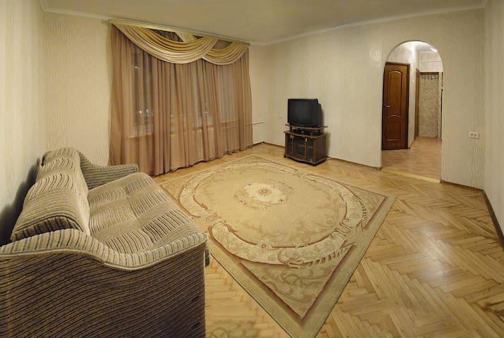 Tsentr Kiev Two-room apartment near M.Pecherskaya