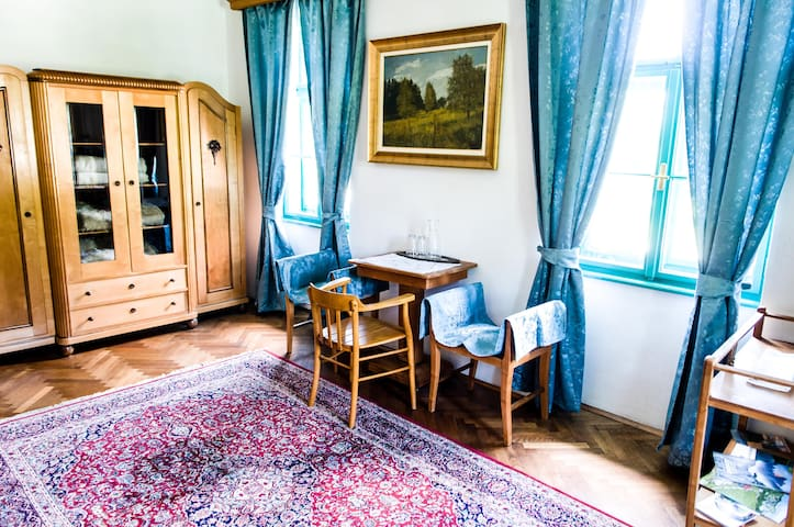 The room is furnished with original Art Nouveau furniture.