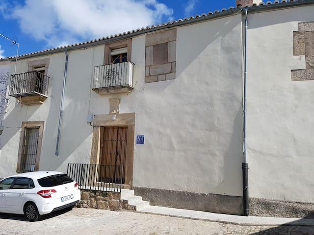 Casa con encanto en centro histórico Trujillo