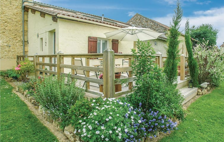 Semi-Detached with 2 bedrooms on 70m² in Saint - Agne