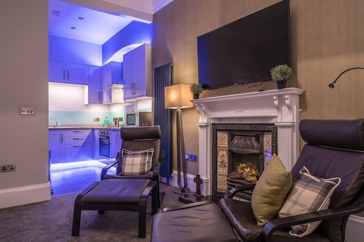 Luxury living Room / Kitchen