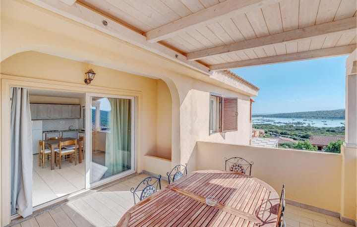 Stunning apartment in Golfo Aranci with 1 Bedrooms