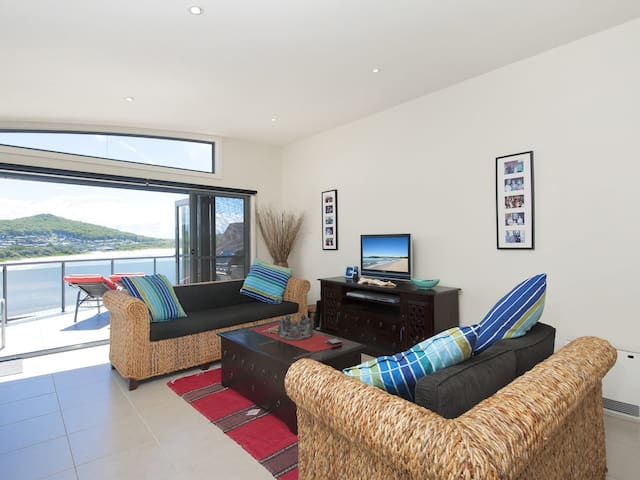 Fingal Surf and Sand, Pacific Drive, 14A