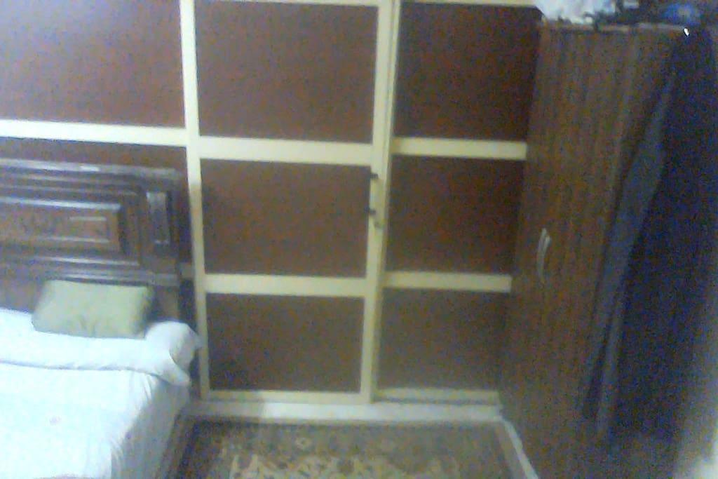 bed , closet