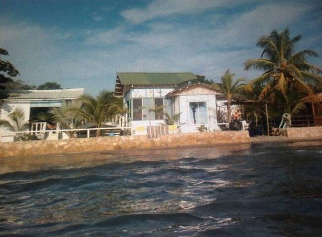 Hermosa Cabaña en Tolu (Playa el francés)