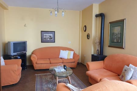 Pogradec apartment for 5