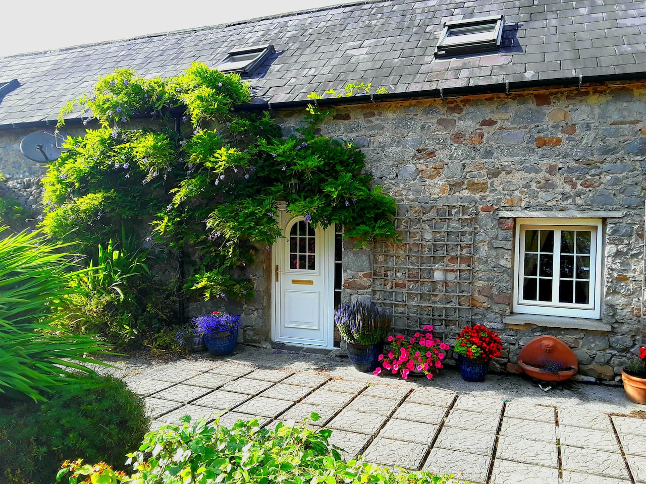 Front of Rossa Farm Cottage No 2