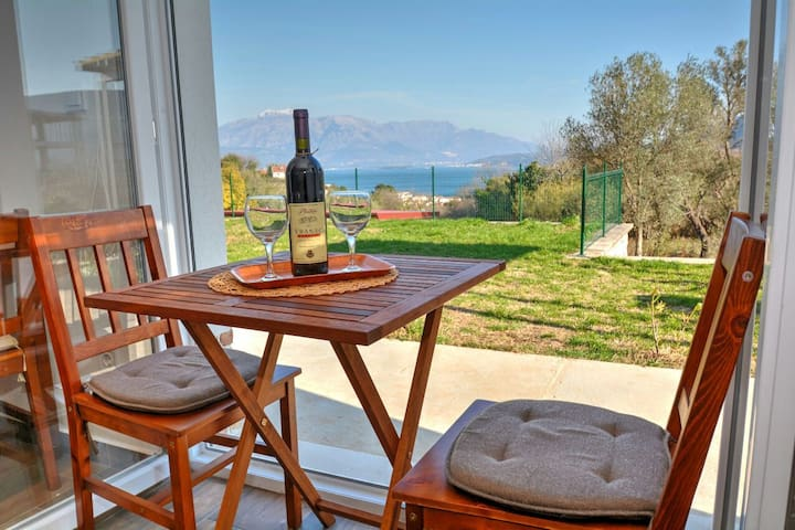 Beautiful view studio, Apartments Blazevic - herceg novi  - House