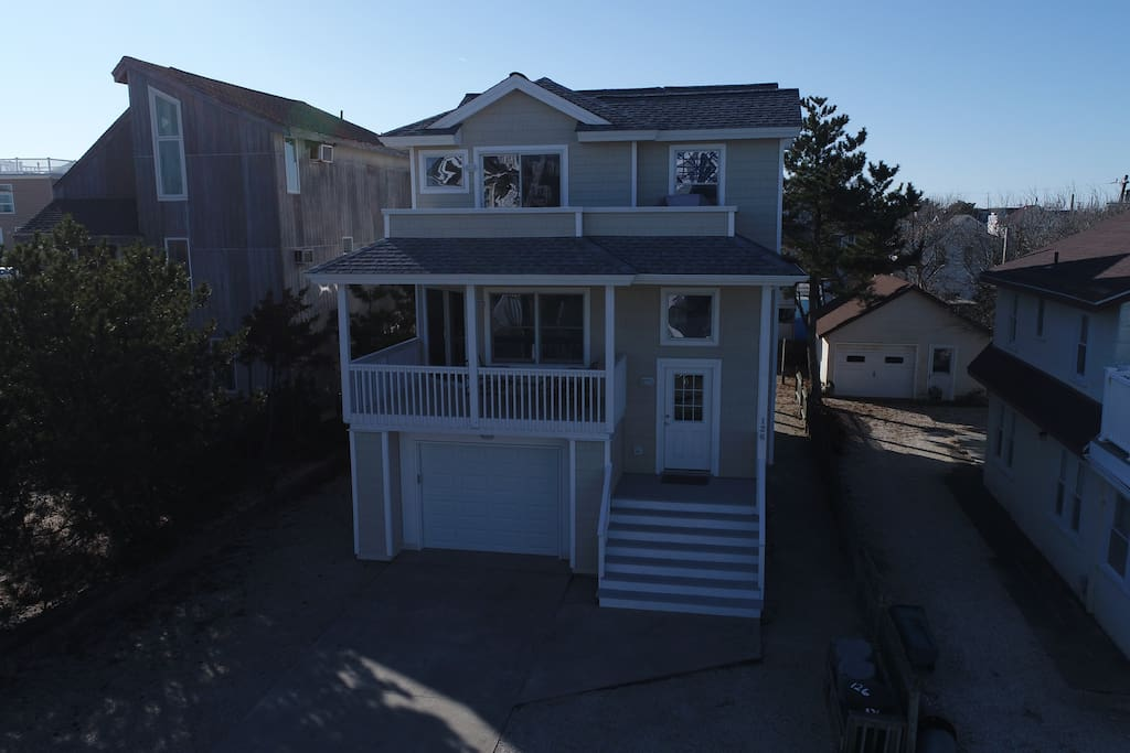 Front of house showing two decks.