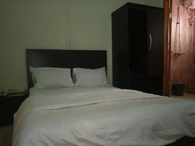 Ekulu Greens Classic Suites-Single Room