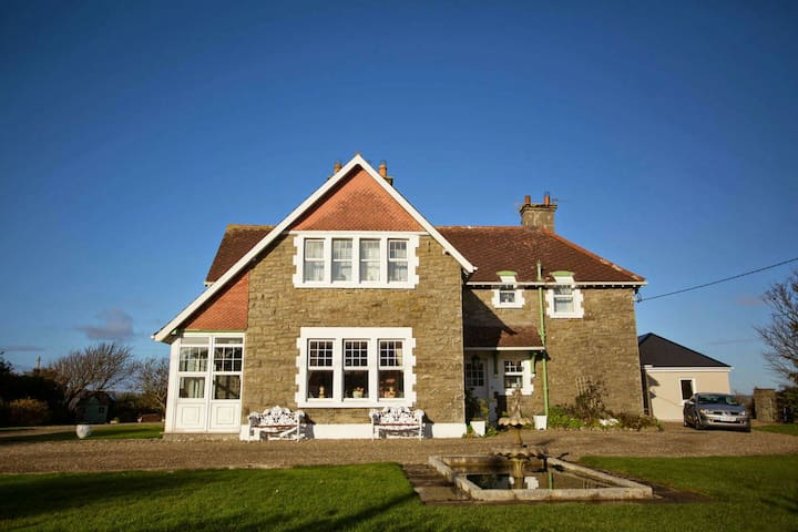 Beautiful 4bed  period home in Lahinch - Lahinch - Rumah