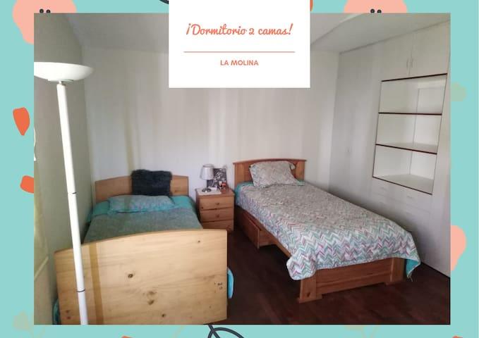 Bonito Dormitorio con 2 camas.