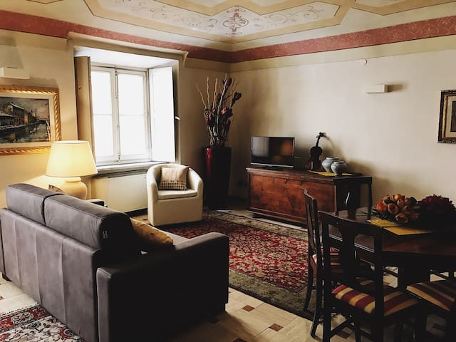 Cozy Apartment in the Heart of Acqui! - Acqui Terme - Lägenhet