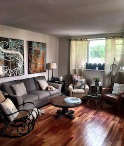 Perfect Room for the Solo Traveler - Philadelphia - House