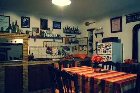 Grandma Teresina's little house - Rocca San Giovanni - 独立屋