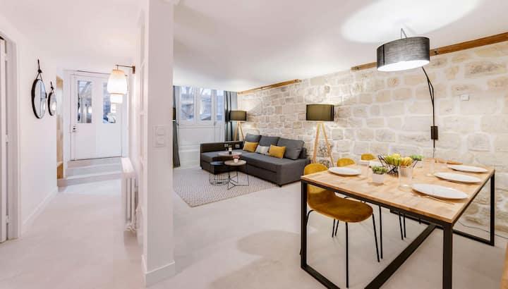 Spacious and charming flat on île de la Cité