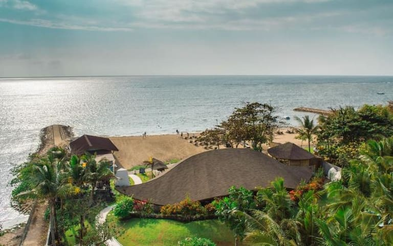 HOTEL WITH PRIVATE BEACH  IN  NUSA DUA