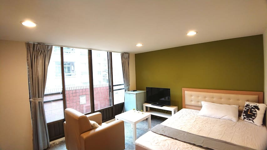 Near Chang Gung , MRT A8, Bright and cozy space