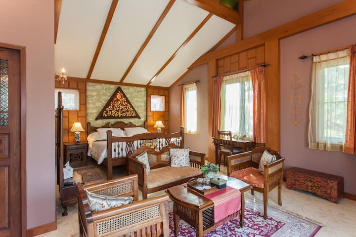 Romantic Lanna Suite in Chiang Mai