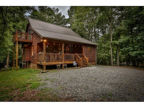 Coosawattee Cardinal-Hot Tub,Firepit,Dog-Friendly!