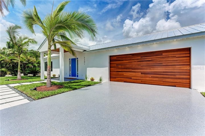 Renovated Ranch near Downtown Sarasota and Siesta