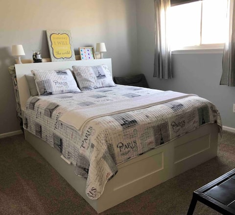 Stylish bedroom at Kansas City area (queen beds)