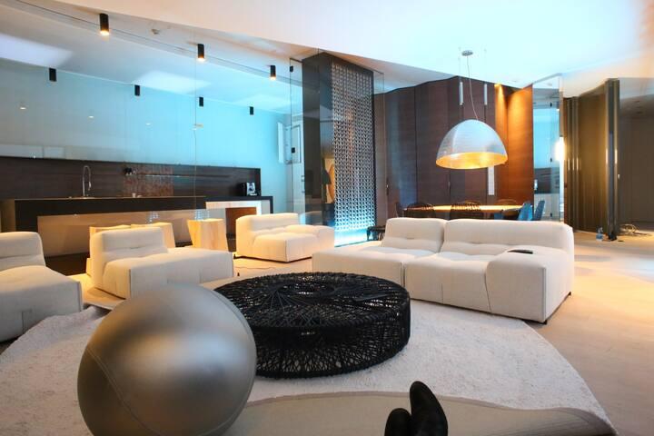 Modern. City center. Luxurious. Trendy.