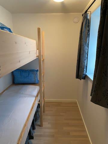 Værelse 3/bedroom 3. Stueplan 2 senge