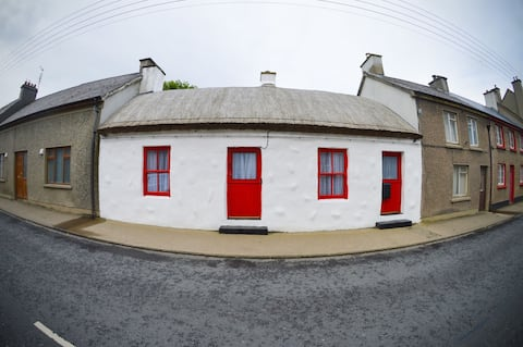 Thatched Cottage in Carndonagh town centre