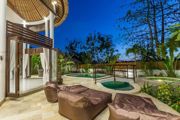 Spacious Villa 3 Bedroom, Private Pool in Bukit