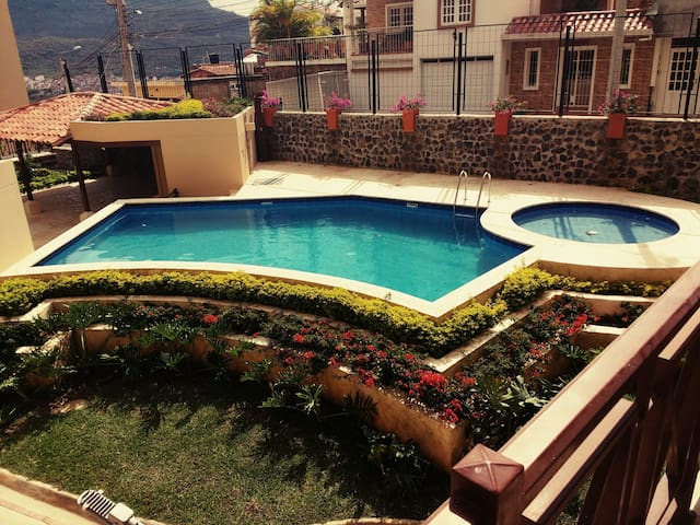 Lindo Apartamento con 2 habitaciones - San Gil - Leilighet